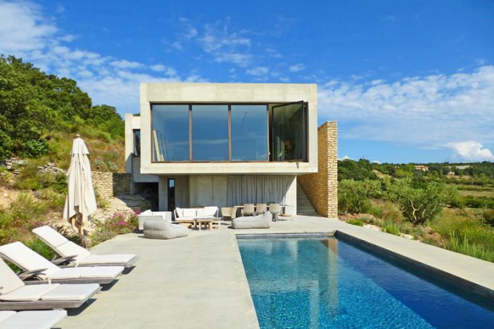 Villa 39 s en luxe vakantiehuizen in zuid frankrijk for Luxe villa met zwembad